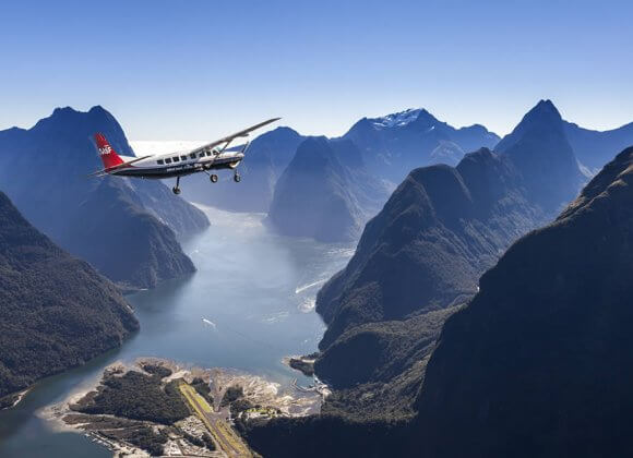 Milford Sound Scenic Flight & Sightseeing Cruise