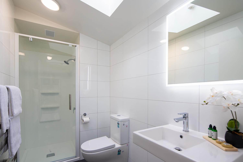 koura-apartments-bathroom